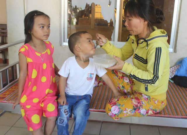 Chồng mất vì tai nạn, vợ một mình gồng gánh cứu 3 con bị tan máu bẩm sinh - Ảnh 3.