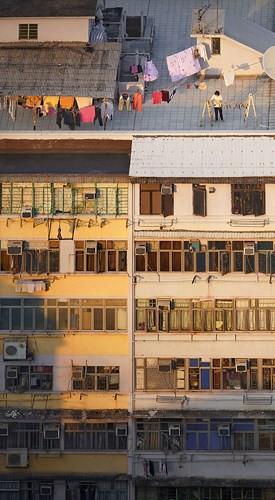 Bộ ảnh chụp cảnh sinh hoạt chân thực trên những mái nhà cao tầng - Ảnh 1.