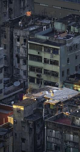 Bộ ảnh chụp cảnh sinh hoạt chân thực trên những mái nhà cao tầng - Ảnh 2.