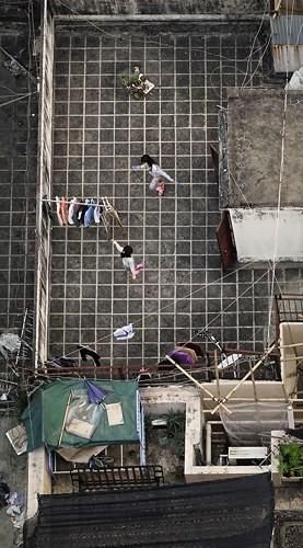 Bộ ảnh chụp cảnh sinh hoạt chân thực trên những mái nhà cao tầng - Ảnh 7.