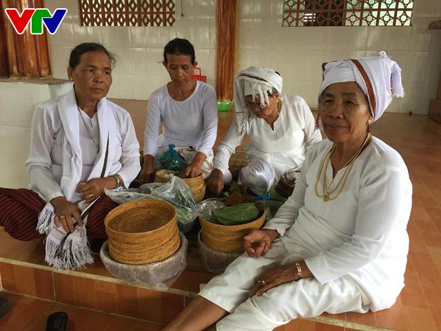 Độc đáo tháng Ramưwan ở làng Chăm Ninh Thuận và Bình Thuận - Ảnh 1.