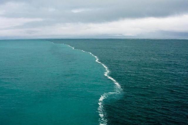 Nơi hai biển gặp nhau nhưng dòng nước tách đôi không hòa trộn - Ảnh 2.