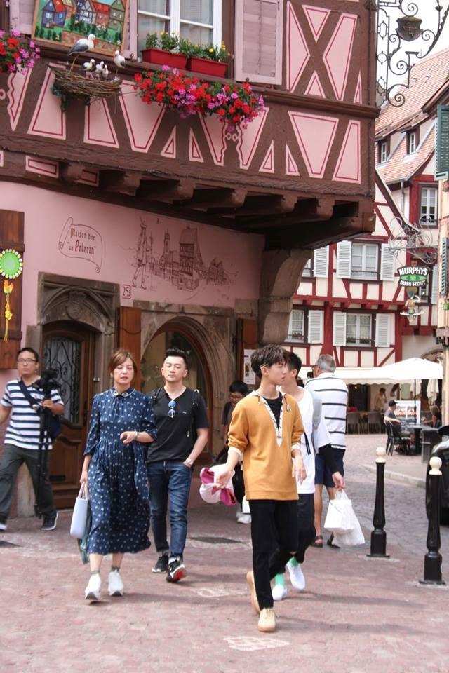 Fan nức lòng khi dàn diễn viên Hoàn Châu cách cách cùng xuất hiện trên truyền hình - Ảnh 7.