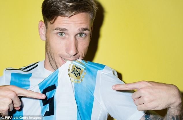 """Messi và các cầu thủ Argentina tung ảnh World Cup 2018 cực """"ngầu"""" - Ảnh 6."""