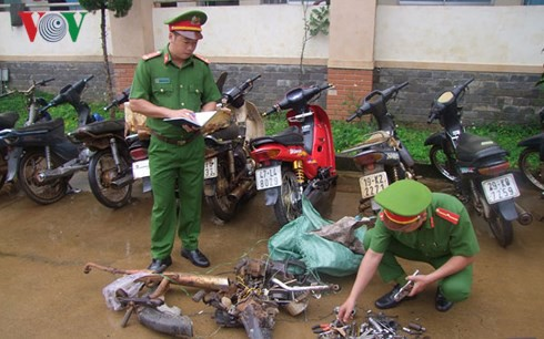 Triệt phá nhóm trộm cắp xe máy chuyên nghiệp ở Đắk Nông - Ảnh 2.