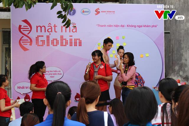 Giới trẻ tò mò vây quanh nhân tượng truyền thông bệnh Thalassemia - Ảnh 5.