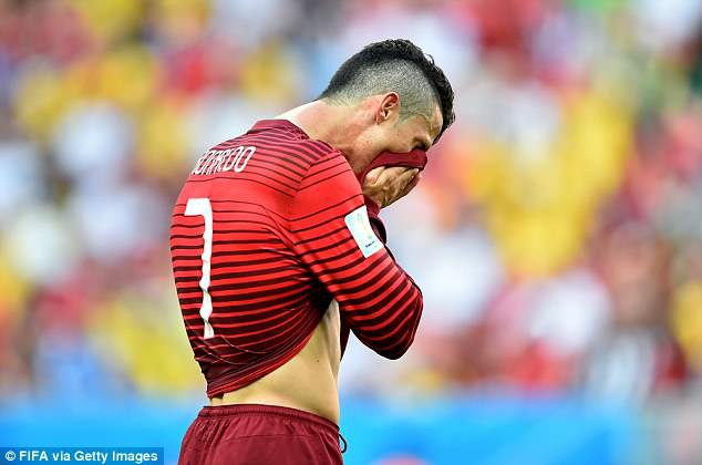 Ronaldo - Messi tại World Cup: Ai hơn ai? - Ảnh 9.