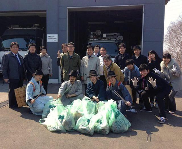 Độc đáo samurai thu rác ở Nhật Bản - Ảnh 1.