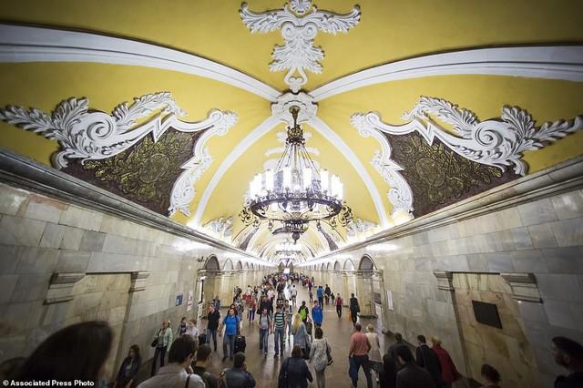 """Nga tự hào với """"cung điện ngầm"""" lộng lẫy nguy nga dưới lòng đất - Ảnh 1."""