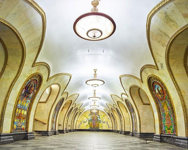 """Nga tự hào với """"cung điện ngầm"""" lộng lẫy nguy nga dưới lòng đất - Ảnh 5."""