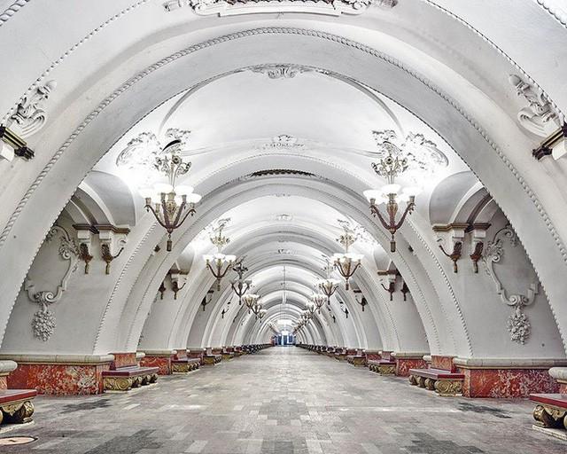 """Nga tự hào với """"cung điện ngầm"""" lộng lẫy nguy nga dưới lòng đất - Ảnh 6."""