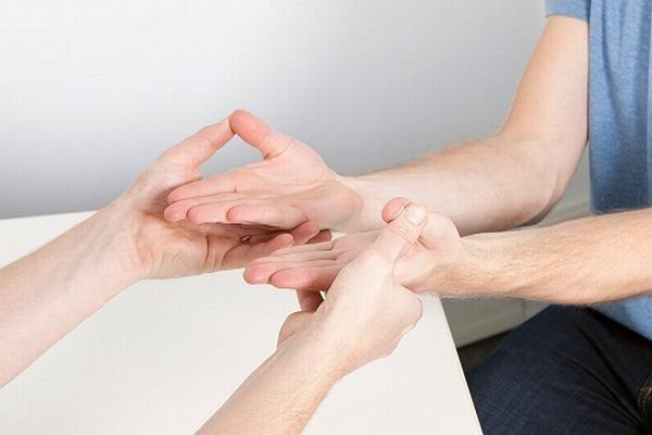 Đau đầu ngón tay: nguyên nhân, chẩn đoán và cách điều trị - Ảnh 2.