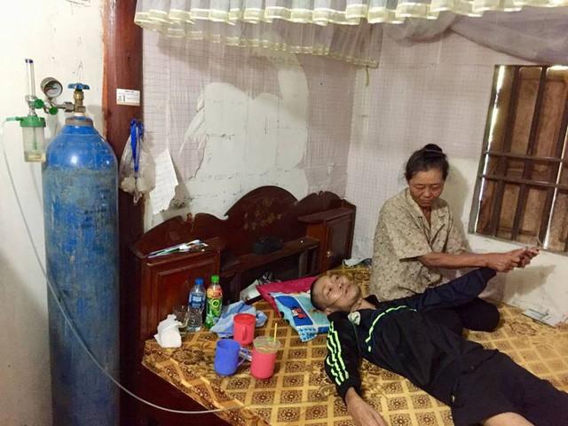 Bị xẹp phổi, chàng trai trẻ chấp nhận chết vì không còn tiền đi bệnh viện - Ảnh 3.