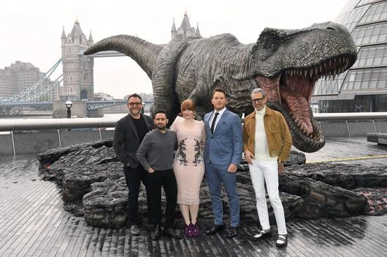 Khám phá yếu tố làm nên những khung hình ấn tượng trong bom tấn Jurassic World: Fallen Kingdom - Ảnh 1.