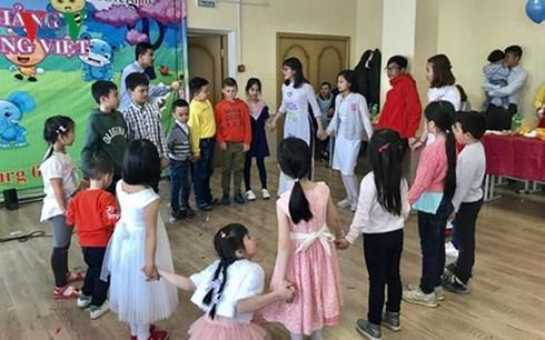 Khai trương lớp học tiếng Việt tại thành phố Ekaterinburg (Nga)