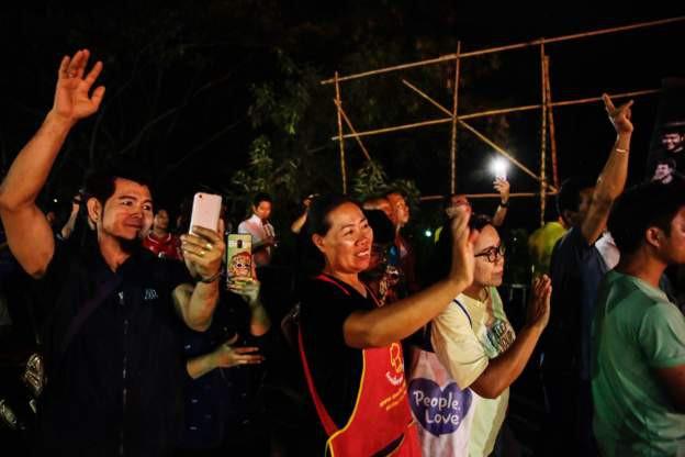 Mưa lớn khiến đợt giải cứu đội bóng Thái Lan cuối cùng thêm nguy hiểm - Ảnh 2.