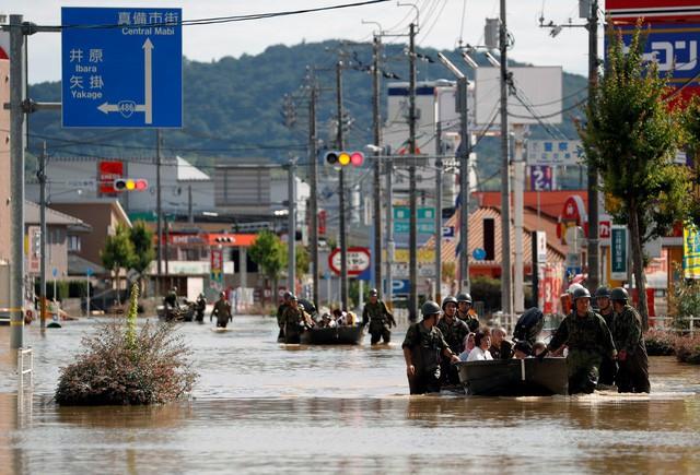 Mưa lũ nghiêm trọng tại Nhật Bản khiến 127 người thiệt mạng - Ảnh 1.