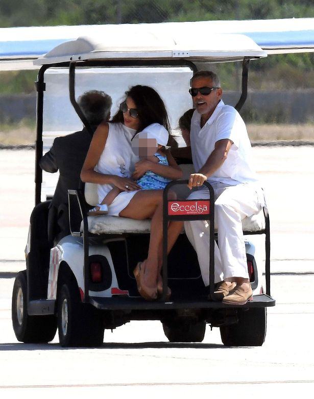 pay-hollywood-actor-george-clooney-leaving-sardinia-with-his-wife-and-daughter-ellaed-1531490951810827495804.jpg