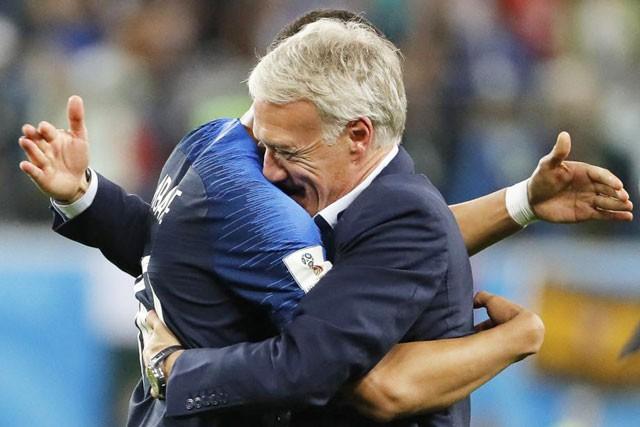 Pháp vô địch: HLV Deschamps làm nên lịch sử, Mbappe xứng danh tiểu Pele và tuyệt vời tinh thần Croatia  - Ảnh 1.