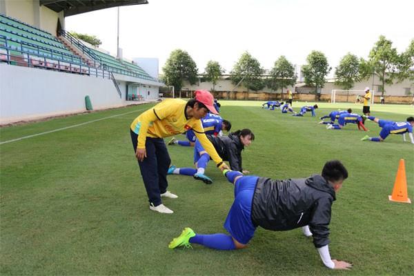 Sau HCĐ AFF Cup nữ 2018, Đội tuyển nữ Quốc gia tiếp tục chuẩn bị cho Asiad 2018 - Ảnh 7.