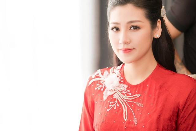 Á hậu Tú Anh xúc động trong lễ vu quy ngày Hà Nội mưa ngập - Ảnh 5.