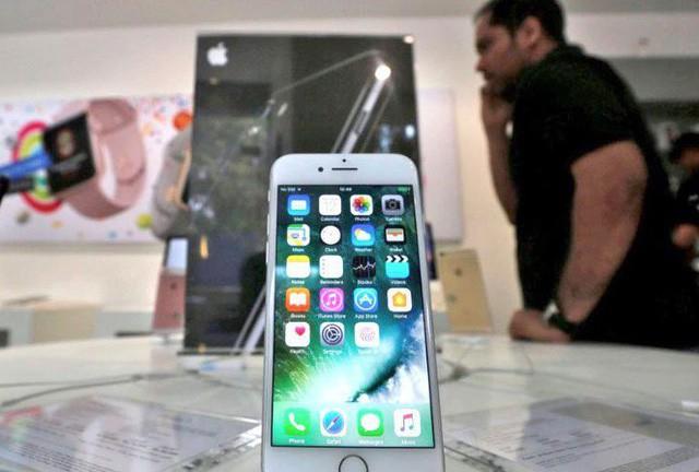 Ấn Độ có thể là quốc gia đầu tiên cấm mạng di động trên điện thoại - Ảnh 1.