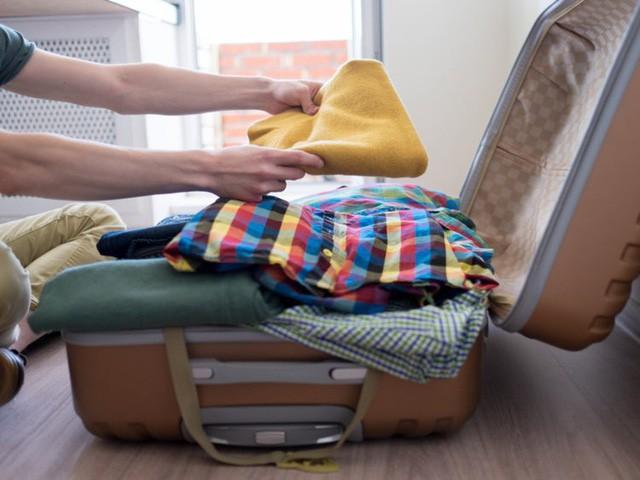 Bên trong hành lý xách tay của các tiếp viên hàng không có gì? - Ảnh 2.