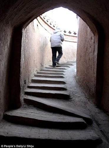 Ngôi làng cổ kỳ lạ khi toàn bộ người dân sống dưới lòng đất - Ảnh 7.