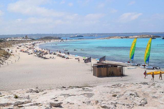 Bạn có biết đâu là những bãi biển đẹp nhất thế giới? - Ảnh 9.
