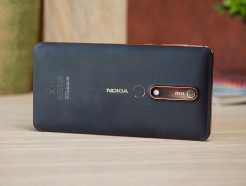8 smartphone giá rẻ đáng mua nhất hiện nay - Ảnh 3.