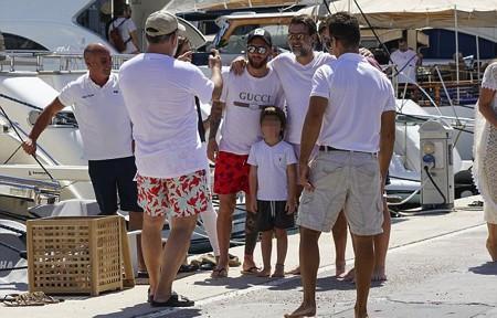 Quên đi kỳ World Cup thất vọng, Messi vui vẻ đi du lịch cùng vợ con - Ảnh 5.