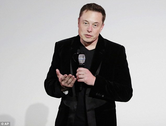 Tỷ phú Elon Musk đề xuất phương án siêu táo bạo giải cứu đội bóng Thái Lan - Ảnh 1.