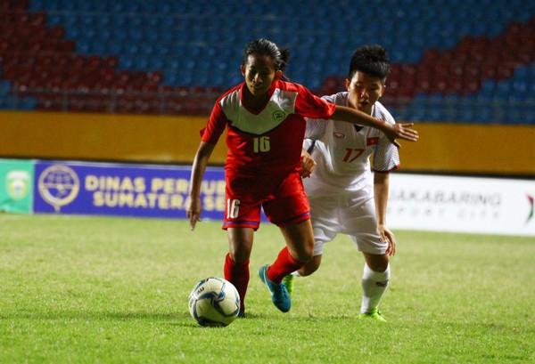 Đánh bại Philippines 5-0, Việt Nam giành quyền vào chơi bán kết giải AFF Cup nữ 2018 - Ảnh 1.