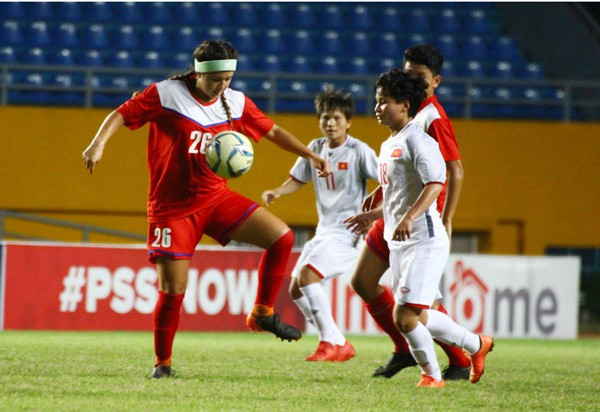 Đánh bại Philippines 5-0, Việt Nam giành quyền vào chơi bán kết giải AFF Cup nữ 2018 - Ảnh 2.