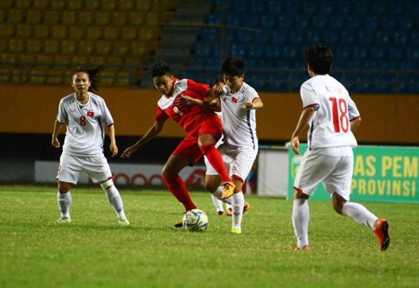 Đánh bại Philippines 5-0, Việt Nam giành quyền vào chơi bán kết giải AFF Cup nữ 2018 - Ảnh 3.