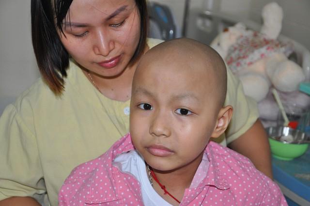 Đau đáu ánh mắt cậu bé 7 tuổi bị ung thư xương - Ảnh 5.
