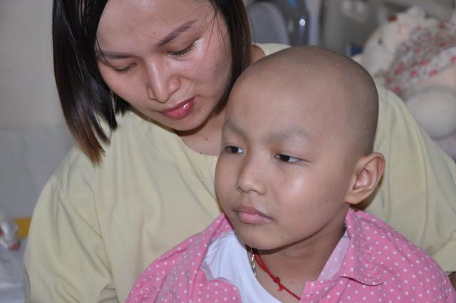 Đau đáu ánh mắt cậu bé 7 tuổi bị ung thư xương - Ảnh 6.