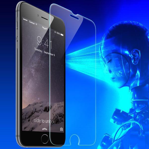 Nguy cơ mù lòa từ ánh sáng xanh của điện thoại - Ảnh 1.