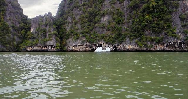 Lạc lối trong 8 hang động biển đẹp nhất thế giới - Ảnh 13.