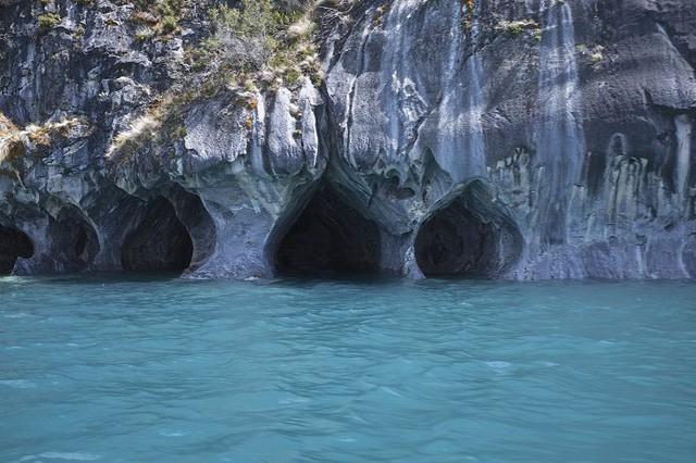 Lạc lối trong 8 hang động biển đẹp nhất thế giới - Ảnh 3.