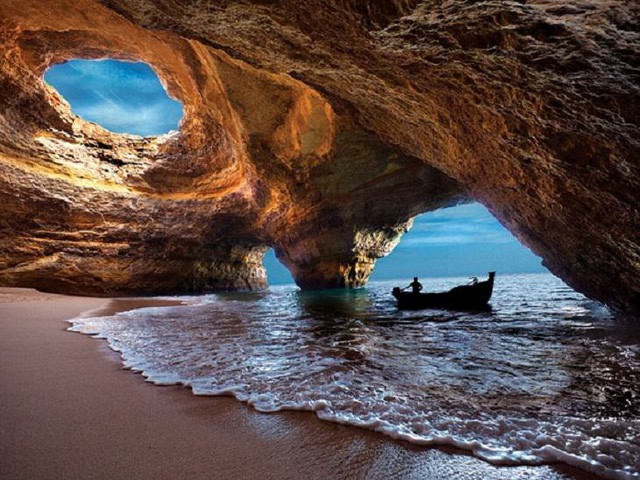 Lạc lối trong 8 hang động biển đẹp nhất thế giới - Ảnh 6.