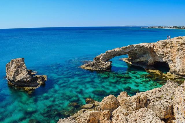 Lạc lối trong 8 hang động biển đẹp nhất thế giới - Ảnh 7.