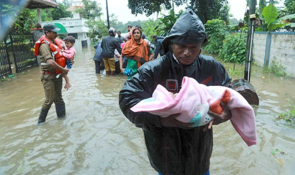 Ấn Độ: Hơn 1 triệu người phải sơ tán do mưa lũ - Ảnh 1.