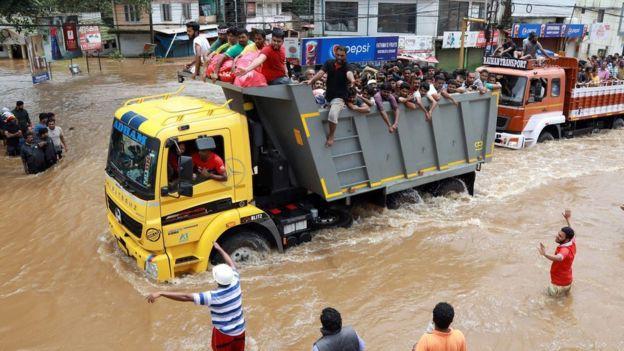 Ấn Độ: Hơn 1 triệu người phải sơ tán do mưa lũ - Ảnh 9.