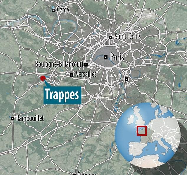 Tấn công bằng dao ở Paris, thủ phạm bị bắn chết - Ảnh 1.