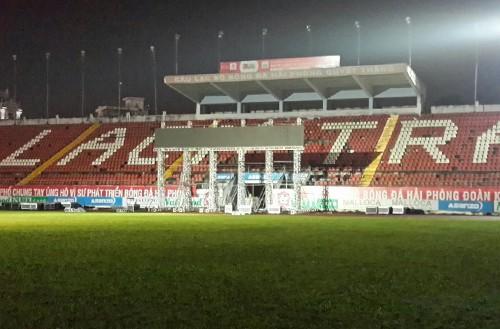 CĐV hồ hởi sang Indonesia xem Olympic Việt Nam đá tứ kết ASIAD 2018 - Ảnh 6.