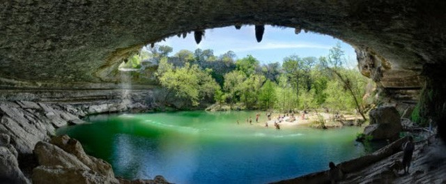 Những bể bơi tự nhiên đẹp mê hồn khắp thế giới - Ảnh 1.