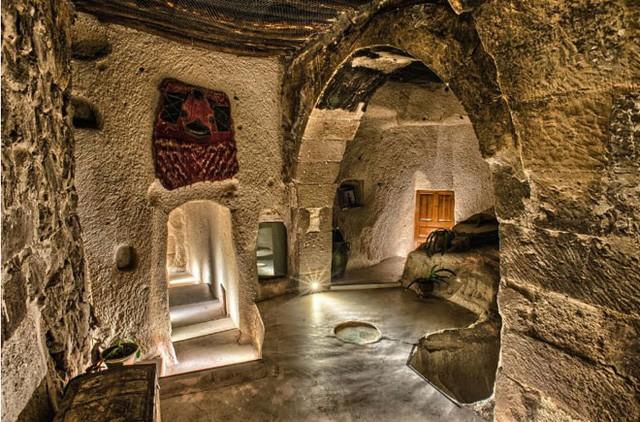 Trở về thời tiền sử tại 7 khách sạn hang động độc và lạ nhất hành tinh - Ảnh 1.