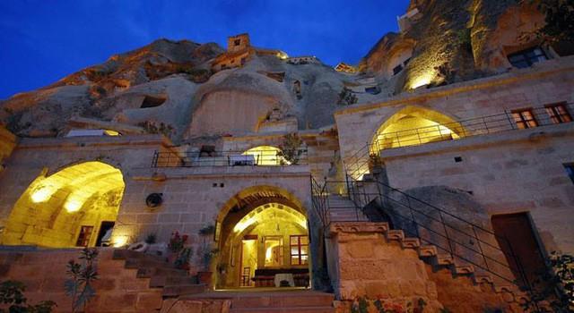 Trở về thời tiền sử tại 7 khách sạn hang động độc và lạ nhất hành tinh - Ảnh 3.