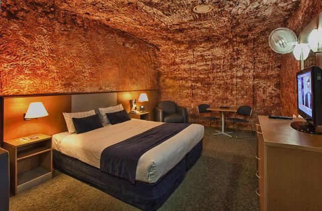 Trở về thời tiền sử tại 7 khách sạn hang động độc và lạ nhất hành tinh - Ảnh 4.